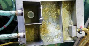 Ưu điểm của máy lọc dầu TKEM102Giải quyết vấn đề mùi hôi của dầu cắt gọt. Tăng thời gian sử dụng dầu. Giảm lượng dầu thải bỏ ra môi trường. Giảm chi phí xử lý dầu thải. Giảm chi phí nước và dầu phải bổ sung và thay mới. Giảm chi phí hao mòn dao cụ và chi tiết gia công hằng năm. Tiết kiệm được thời gian vệ sinh. An toàn với sức khoẻ và thân thiện với môi trường.