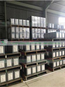 """Dầu gia công cắt gọt kim loại Không Pha nước XEBEC CUT OC 108   ''XEBEC CUT OC108"""" là loại dầu cắt gốc dầu gốc tổng hợp không pha nước được nhập khẩu trực tiếp từ Nhật Bản.  """"XEBEC CUT OC108"""" không thể hiện tính ăn mòn đối với thép nói chung, thép hợp kim và kim loại màu.  """"XEBEC CUT OC108"""" không chứa các phụ gia độc hại và độc hại không gây ô nhiễm môi trường và người sử dung, chặn ô nhiễm nước, chẳng hạn như thủy ngân, thủy ngân hữu cơ, xyanua, hexavalent crom và PCB,...  Thích hợp cho cắt thép tổng hợp , nhôm và hợp kim đồng bằng máy tiện và được dùng cho máy tiện máy phay.  Dầu Cắt Gọt Không Pha Nước XEBEC CUT OC108 được sản xuất bởi hãng sản xuất dầu nhờn HOKOKU Nhật Bản.  Sản phẩm nhập khẩu trực tiếp và phân phối độc quyền bởi Công ty TNHH Tie Việt Nam."""