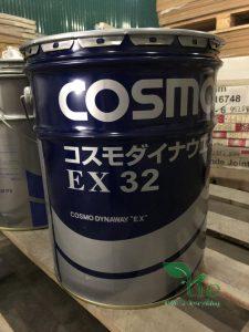 Dầu COSMO DYNAWAY EX32Dầu COSMO DYNAWAY EX32 có khả năng tách dầu cắt gọt hòa tan trong nước và khả năng chống cặn rất tốt. Điều này giúp đơn giản hóa việc bảo trì, duy trì môi trường làm việc, vận hành máy ổn định trong một khoảng thời gian dài. Dầu COSMO DYNAWAY EX 32 ít có khả năng làm giảm độ pH ngay cả khi được trộn với dầu cắt gọt hòa tan trong nước, giúp dầu cắt gọt hòa tan trong nước có tuổi thọ cao. Độ nhớt : 32. Ngăn chặn sự hình thành bùn ngay cả khi trộn với dầu cắt gọt hòa tan trong nước, và đạt được hoạt động ổn định. Dầu COSMO DYNAWAY EX 32 có khả năng chống ăn mòn tuyệt vời đối với gang, thép và đồng. Ngăn ngừa sự xuất hiện của vết ố do bám dính lâu dài trên bề mặt dẫn hướng. Sản phẩm từ COSMO. Xuất xứ Nhật Bản.
