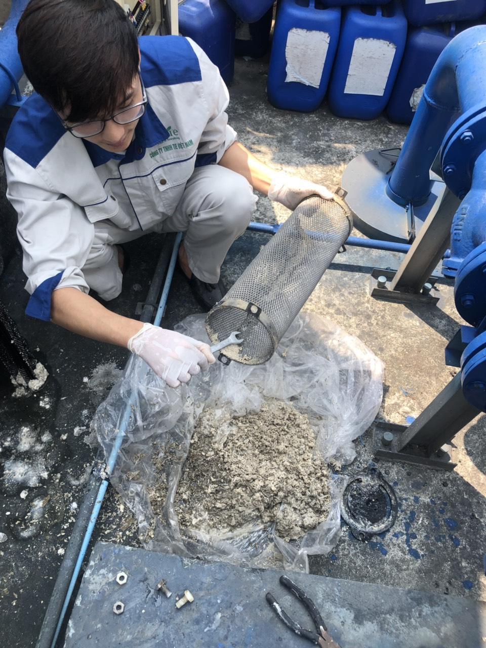 Hóa chất tẩy rửa cáu cặn