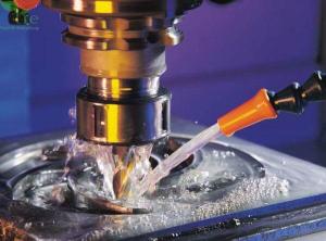 Giá dầu cắt gọt kim loại bao nhiêu tiền trên một lít?