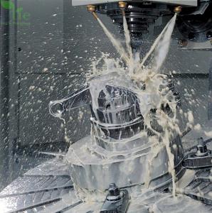 Dầu cắt gọt kim loại pha nước Nhật Bản