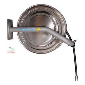 Hose Reel 886 Ex MIỄN PHÍ DÙNG THỬ- MIỄN PHÍ GIAO HÀNG- MIỄN PHÍ LẮP ĐẶTHose Reel 886 Ex làm bằng thép không rỉ với độ bền cao, công suất lớn, thường dùng trong công nghiệp nặng. Cuộn dây tự rút được làm 100% từ cao su có vỏ CR và ống bên trong NBR được bện dệt từ sợi tổng hợp và có độ dẫn nhiệt. Thường dẫn nước hoặc khí nén, chịu nhiệt từ -30 - 80°C. Cuộn ống này được xây dựng cho các môi trường đòi hỏi vệ sinh và chống ăn mòn cao. Thiết kế độc đáo giúp dễ dàng vệ sinh. Chiều dài dây lên đến 25 m (82 ft.). Đáp ứng tiêu vệ sinh quốc tế. Được ATEX phê duyệt phòng chống cháy nổ. Bảo hành: 10 năm. Sản phẩm thuộc Nederman. Xuất xứ Châu Âu.