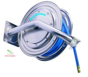 Stainless steel hose reel Series 886Stainless steel hose reel Series 886 là cuộn ống thép không rỉ, được làm hoàn toàn bằng thép không rỉ. Nó rất dễ để làm sạch nhờ các cạnh tròn và tính năng dễ dàng tháo dỡ đầu ra của ống một khớp xoay gắn ngoài và số lượng tối thiểu của vật liệu khớp. Có chiều dài từ 10-25m. Đáp ứng tiêu chuẩn vệ sinh quốc tế. Được sử dụng cho nước. Được thiết kế dành riêng cho ngành chế biến thực phẩm. Bảo hành: 10 năm Xuất xứ Thụy Điển. Sản phẩm thuộc Nederman.